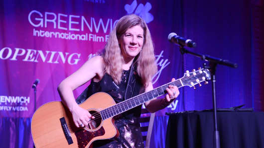 Dar Williams performs at the Opening Night Party of the 2016 Greenwich International Film Festival.