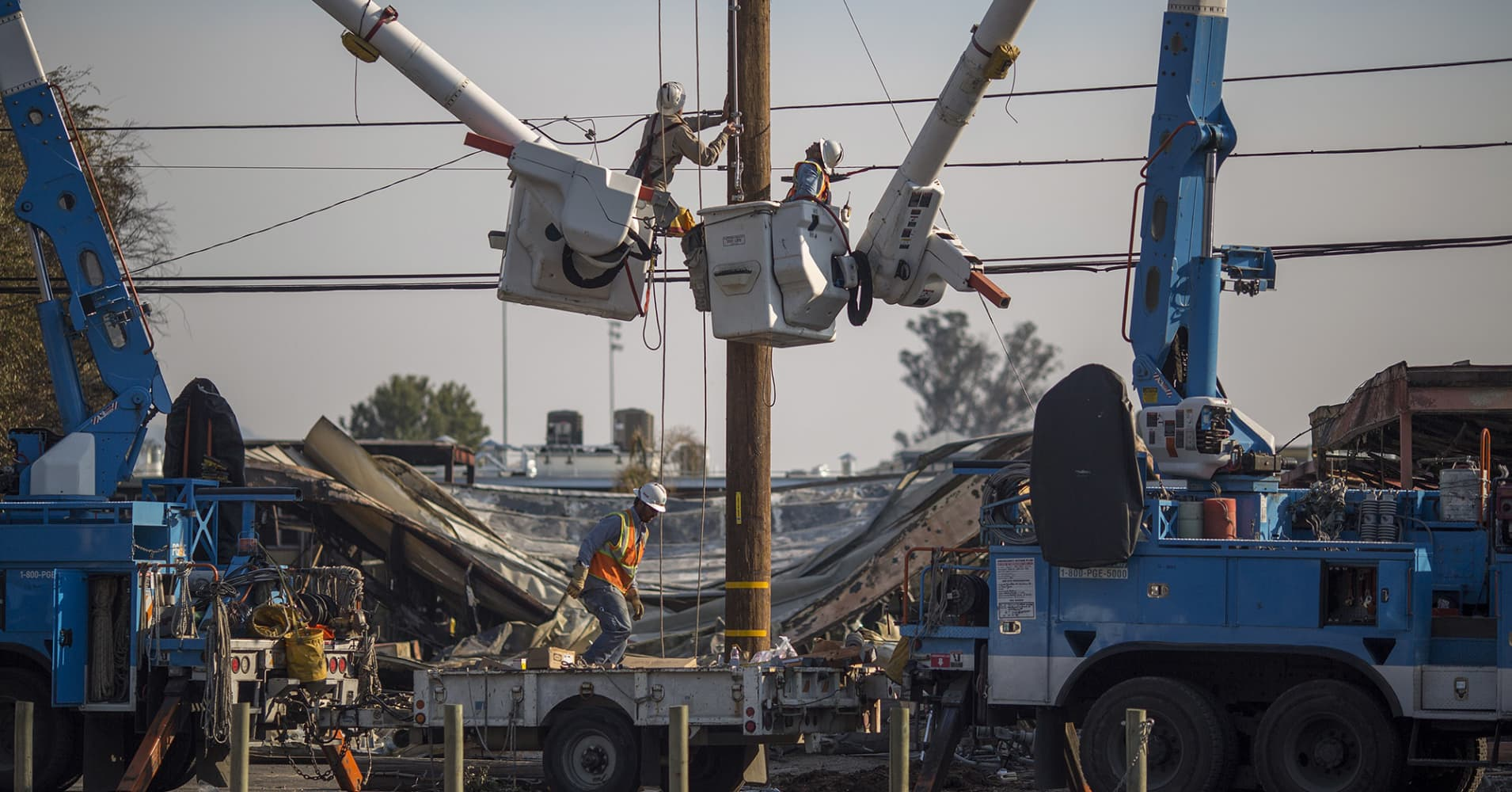 Cal Fire clears PG&E for deadly Tubbs Fire, but utility still faces uncertainty over other blazes