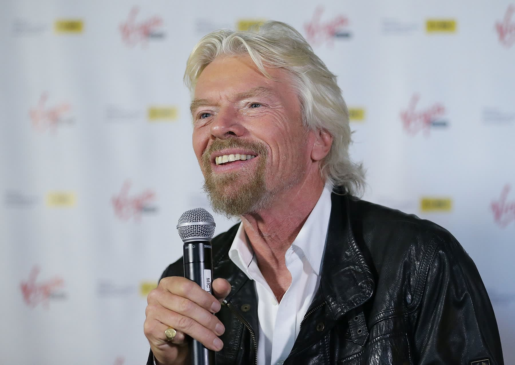 billionaire richard branson says 9to5 workdays will - HD 1800×1277