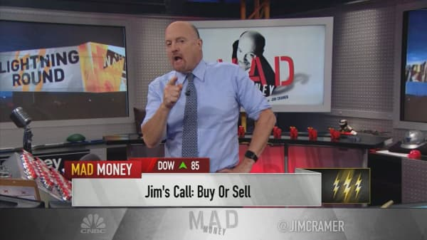 Cramer's lightning round: The endless naysayers are wrong about Home Depot