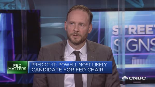 Slow and steady growth will add jobs, portfolio manager says