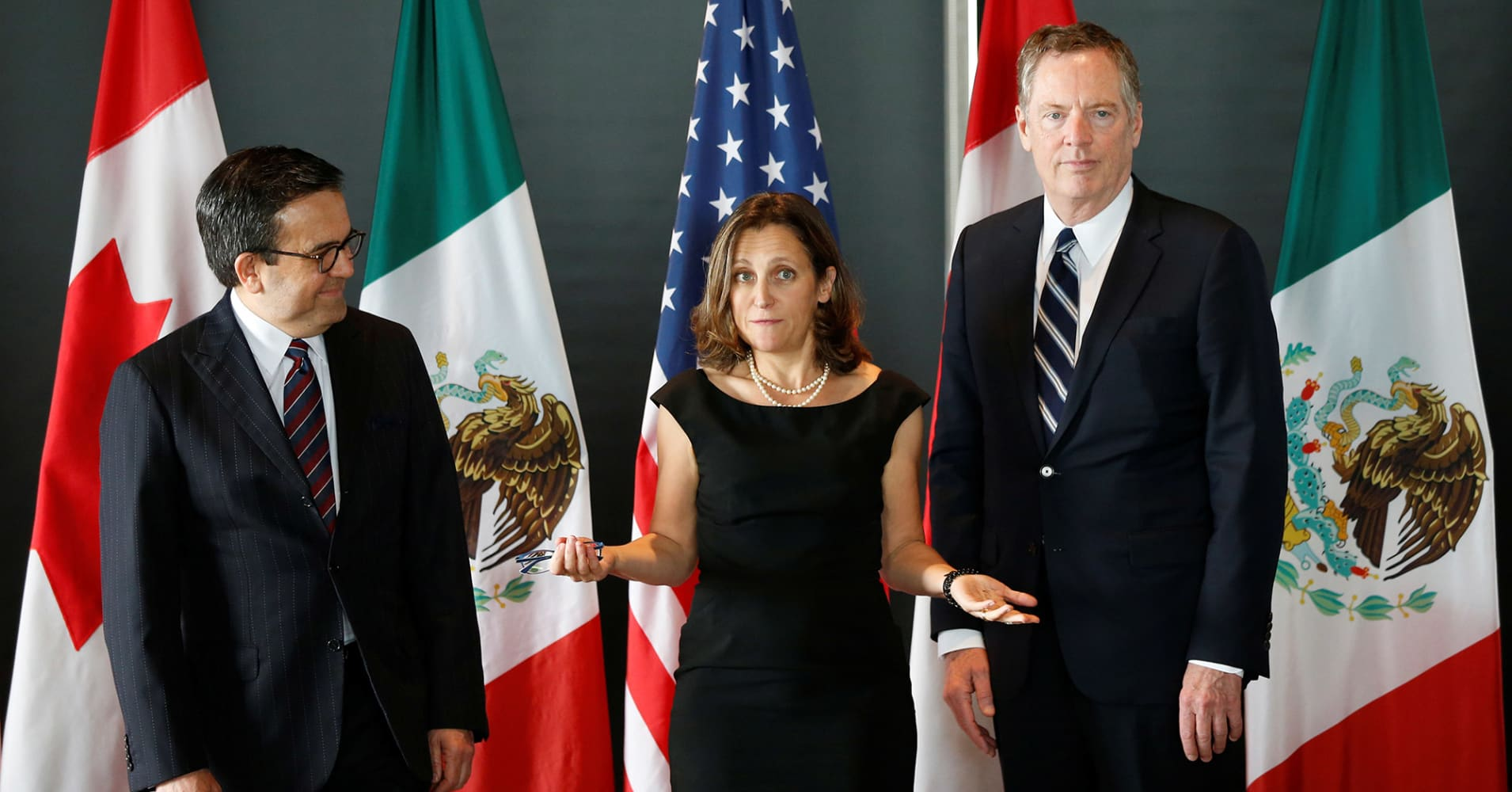 Canada, Mexico to firmly reject US NAFTA proposals but will offer to keep negotiations going: Sources