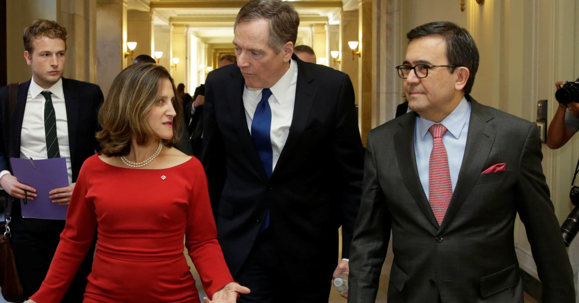 Talks to revise NAFTA will go into next year amid disagreements over how best to change the deal, top officials said.