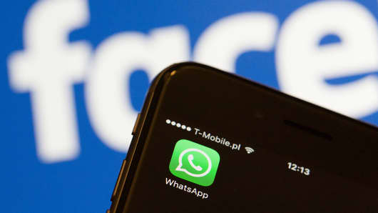 Facebook-owned WhatsApp is being censored in China as the Communist Partу congress gets underwaу.