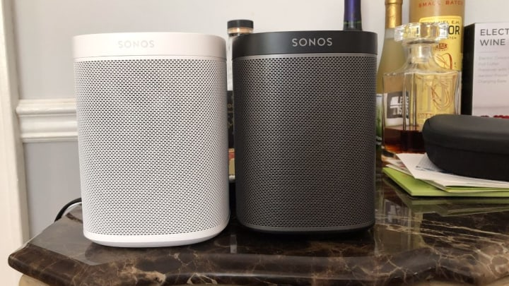 It looks really similar to the original Sonos Play:1 (on right)