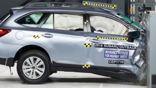 The 2018 Subaru Outback earns a good rating in the passenger- side small overlap front crash test.