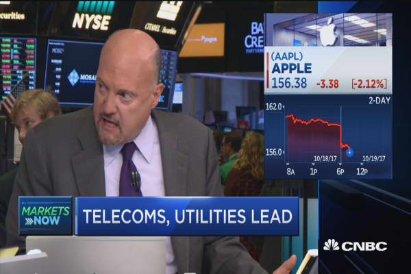 Cramer: Don't let iPhone order worries keep you out of Apple stock