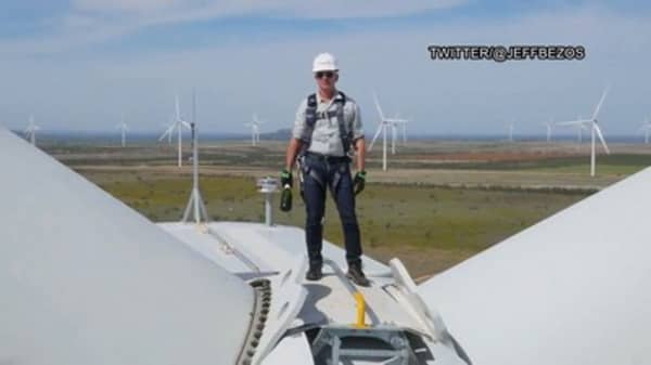 Amazon's Jeff Bezos just opened a massive wind farm in Texas