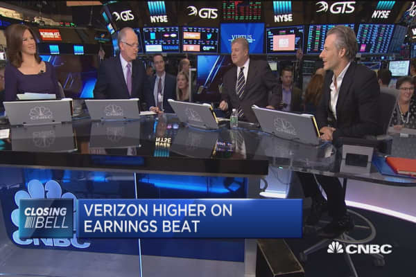 Lackluster demand for iPhone 8 hit Verizon: New Street's Jonathan Chaplin