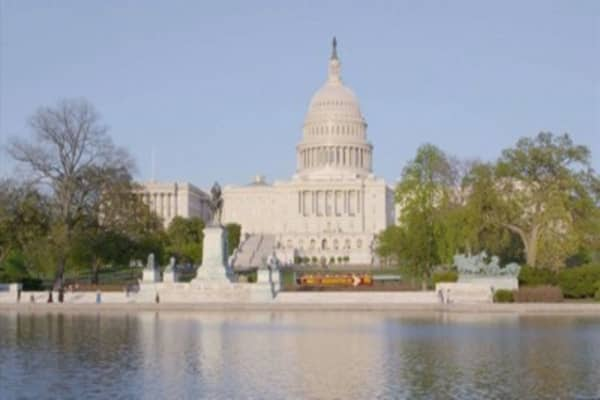 Senate passes a budget, moving the GOP closer to tax reform