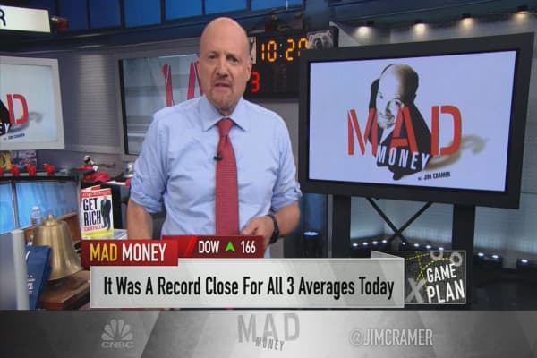 Cramer's game plan: In the year's biggest earnings week, don't chase stocks