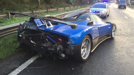 A blue Pagani Zonda collided with a central barrier on the westbound A27 at Tangmere in West Sussex, England on Saturday 21 October, 2017.