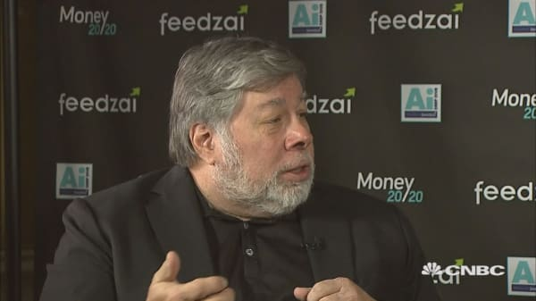 Apple co-founder Steve Wozniak says he won't be upgrading to the iPhone X right away