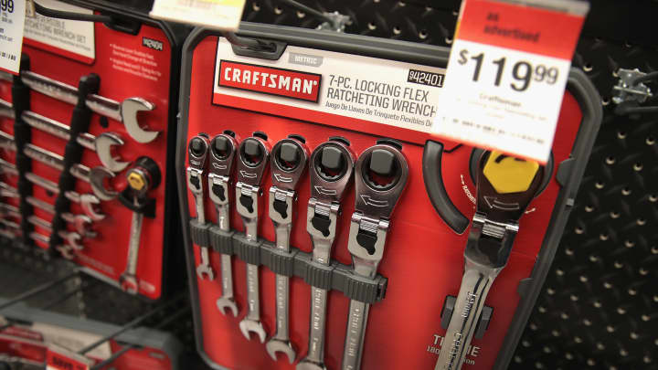 stanley black and decker taps lowe's to sell the craftsman tool brand