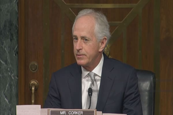 Trump gets into Twitter feud with Sen. Bob Corker