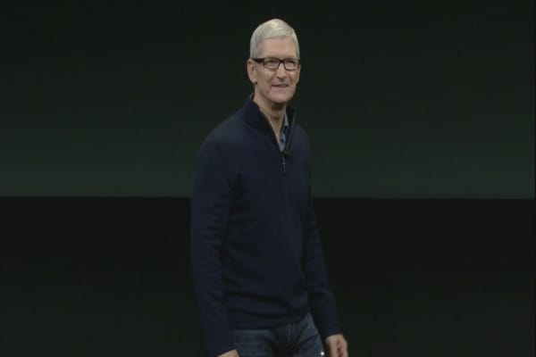 Tim Cook plans to groom as many successors as possible