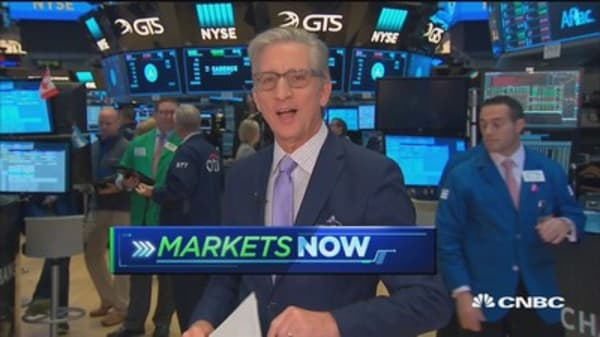 S&P 500 opens lower as earnings parade continues