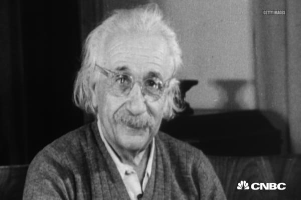 Albert Einstein used this mindset shift to be happier and more successful
