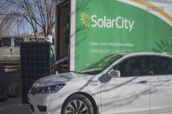 Tesla's mass firings spread to SolarCity
