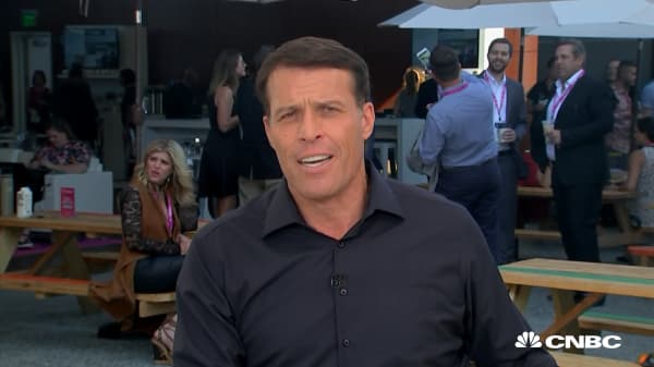 Tony Robbins reveals his 90-second secret to eliminating stress and anxiety