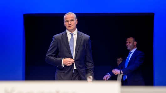 Deutsche Boerse chief Carsten Kengeter quits as insider trading scandal rumbles on