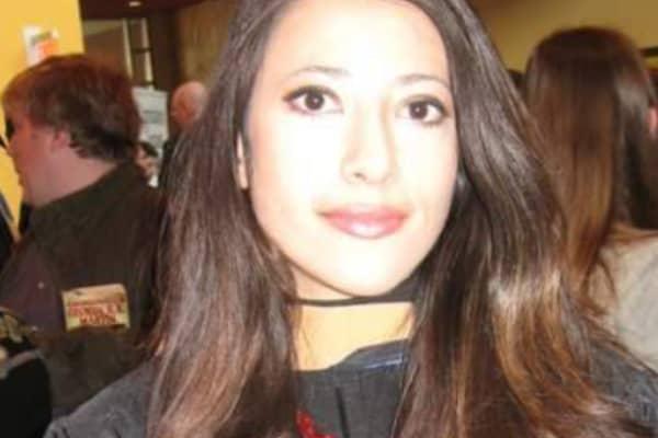 Janet Alvarez graduating from business school in 2010
