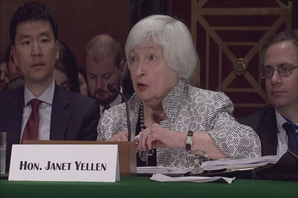 GOP members tell Trump not to pick Yellen as Fed chair