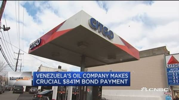 Venezuela's oil company makes $841 million bond payment