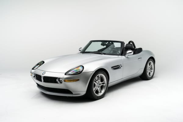 Steve Jobs' BMW Z8 up for auction, flip phone and all