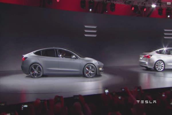 UBS slashes Tesla profit estimates predicting more Model 3 problems