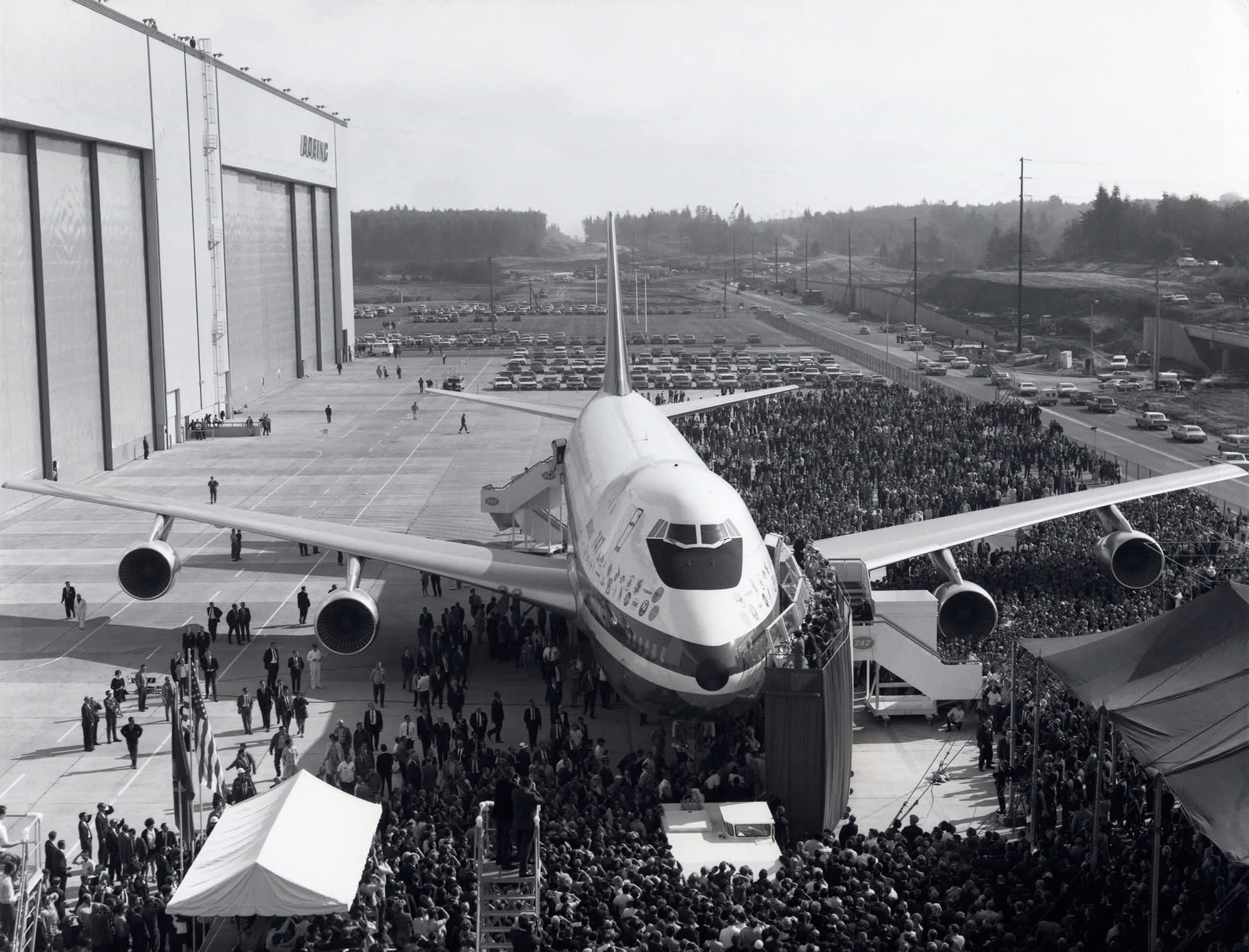 how boeing changed the world The boeing 747 'jumbo jet' changed the world, bringing air travel to the masses, and allowing non-stop flights between distant cities across the globe.