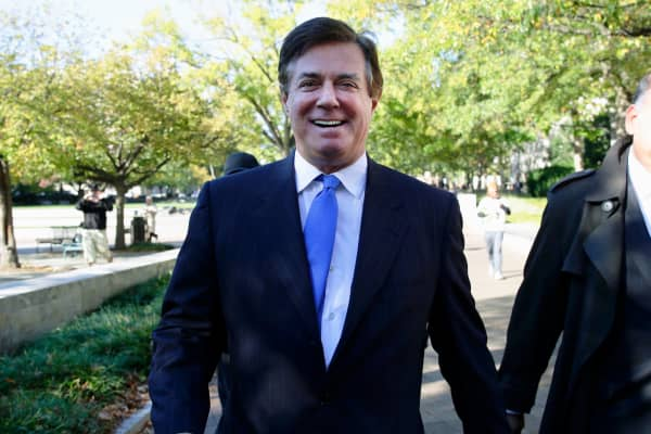 President Donald Trump's former campaign manager Paul Manafort departs U.S. District Court after a hearing in the first charges stemming from a special counsel investigation of possible Russian meddling in the 2016 presidential election in Washington, October 30, 2017.
