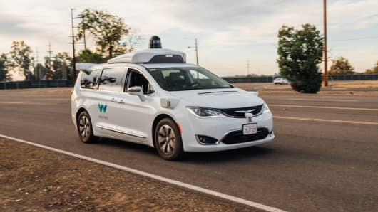 Waymo cars won't ask for human help during emergencies
