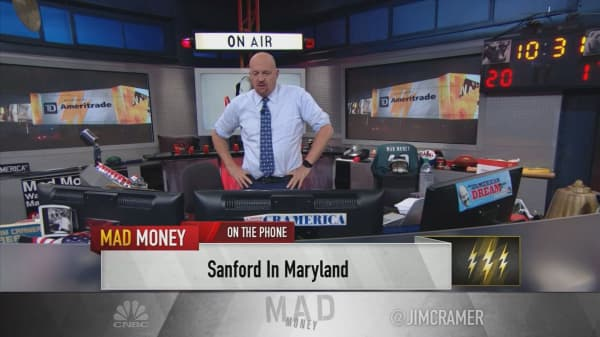 Cramer's lightning round: I'm a buyer of Edwards Lifesciences despite the negativity