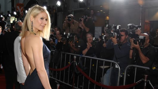 Actress Gwyneth Paltrow arrives to the 'Iron Man' premiere at Grauman's Chinese Theatre on April 30, 2008 in Hollywood, California.