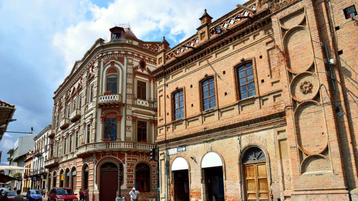 Cuenca, Ecuador one of 3 sunny places to retire on just a social security check