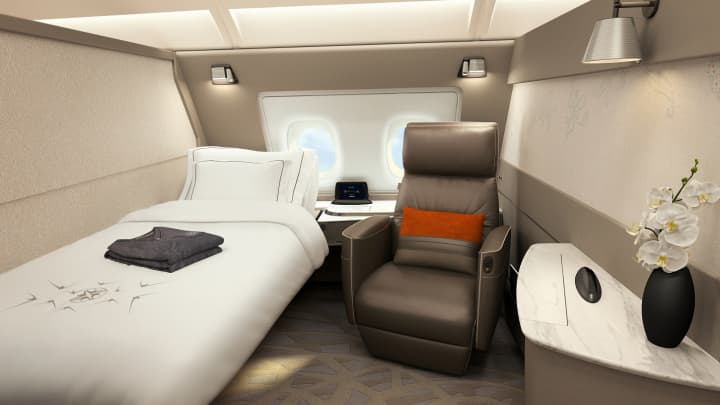 A Suites class cabin on Singapore Airlines.