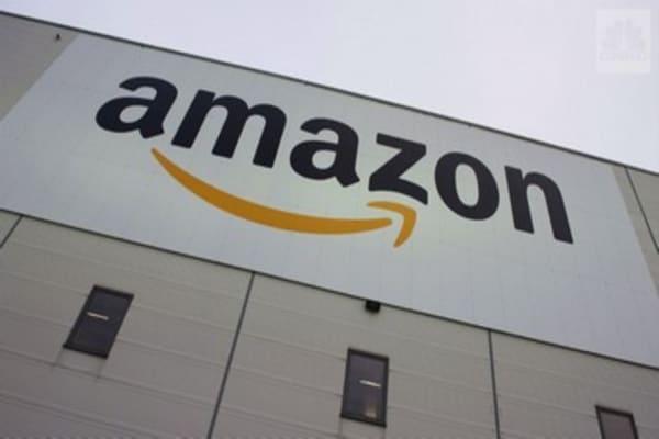 Amazon just bought up three crypto domains
