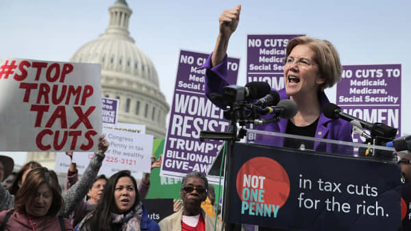 Sen. Elizabeth Warren (D-MA) addresses a rally against the Republican tax plan outside the U.S. Capitol November 1, 2017 in Washington, DC.