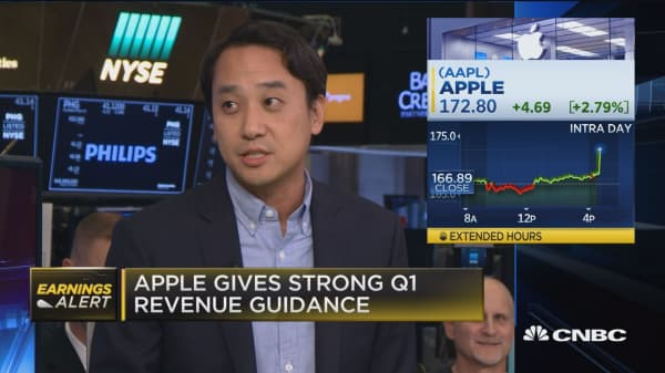 Apple gives strong Q1 revenue guidance ahead of iPhone X shipments: Ed Lee