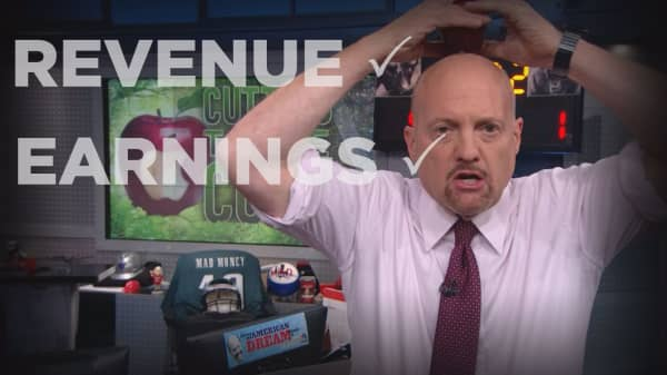 Cramer Remix: Here's why Apple's quarter is one of the greatest blowouts I've ever seen