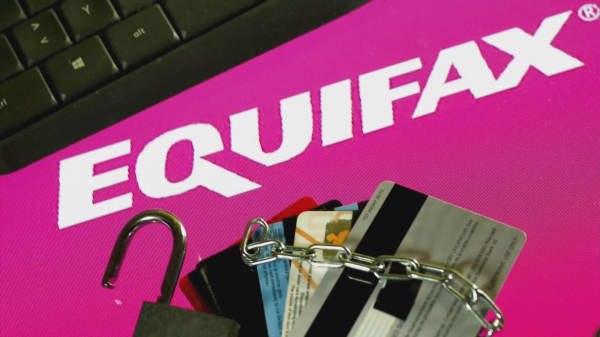 Equifax special committee says executive stock sales were in the clear