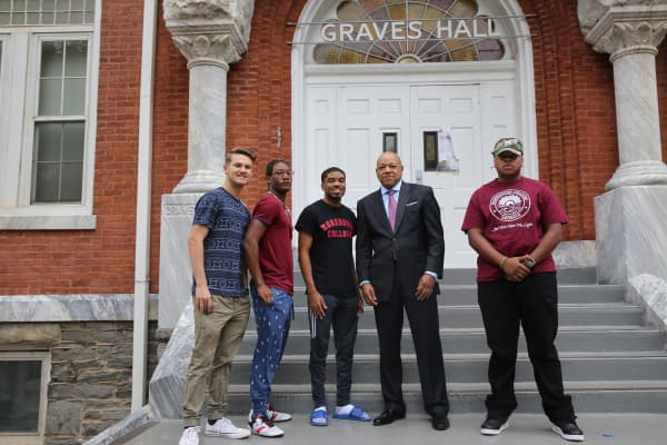 Thomas with Morehouse students
