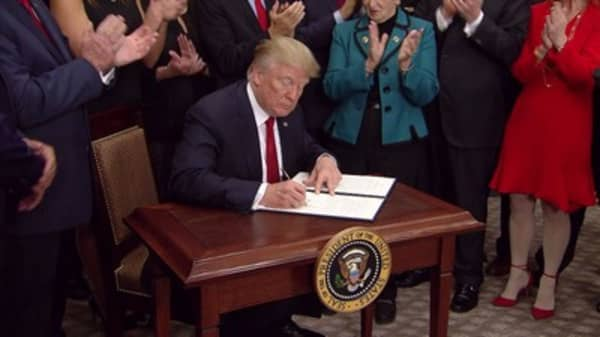 Trump reportedly prepped executive order that could gut Obamacare's individual mandate