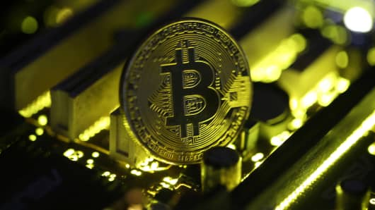Goldman Sachs: Bitcoin Could Approach $8000