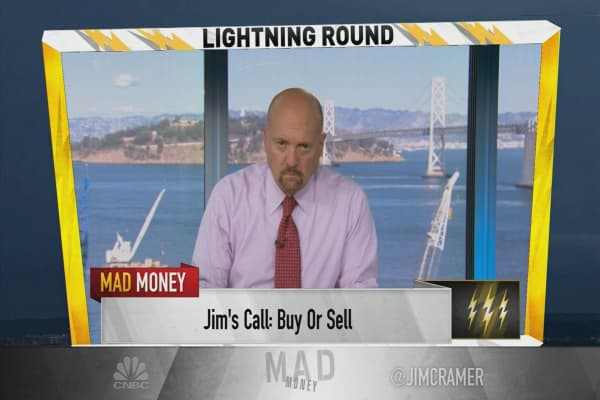 Cramer's lightning round: Bill Ackman shouldn't stop you from selling some ADP
