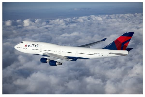 A Delta Airlines Boeing 747 in flight.