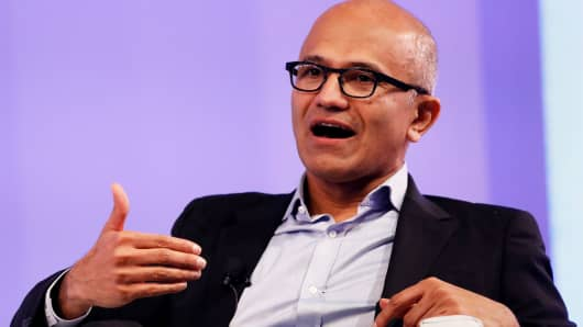 """Microsoft Chief Executive Officer Satya Nadella speaks about his latest book """"Hit Refresh"""" during an event in New Delhi, India, November 7, 2017."""