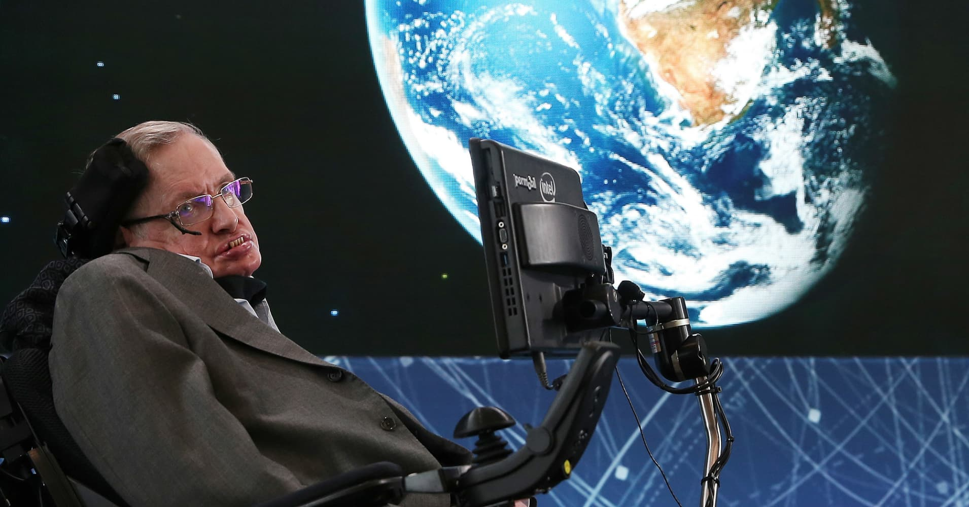 Stephen Hawking Feared that a Rich, 'Superhuman' Species is Set to End Humanity