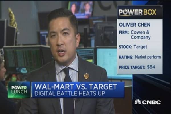 Three-way boxing match going on between Wal-Mart, Amazon and Target: Analyst